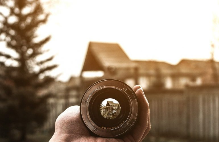 A Definitive Guide on Shooting Panoramic Photos for Virtual Tour Creation