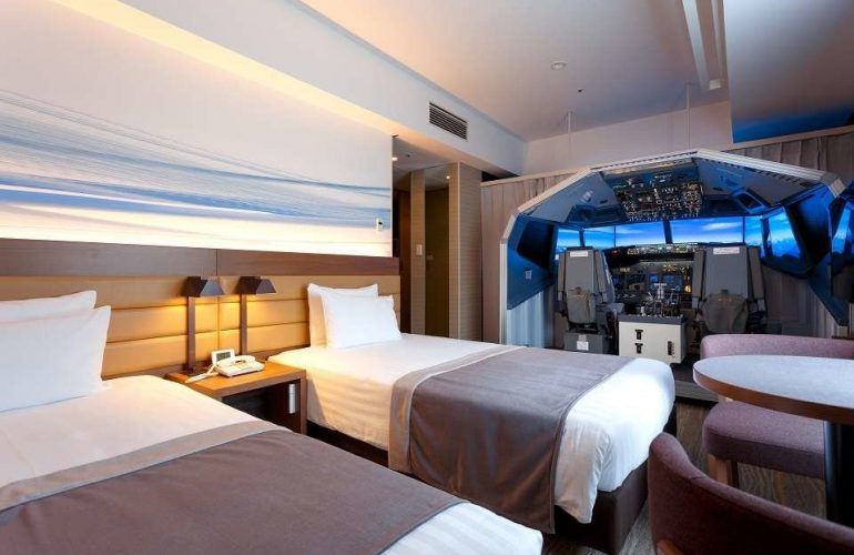 "Tokyo Hotel Now Offers ""Superior Cockpit Room"" with Full Sized Flight Simulator"