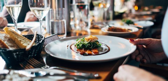 Compelling Reasons To Setup a Virtual Tour Restaurant