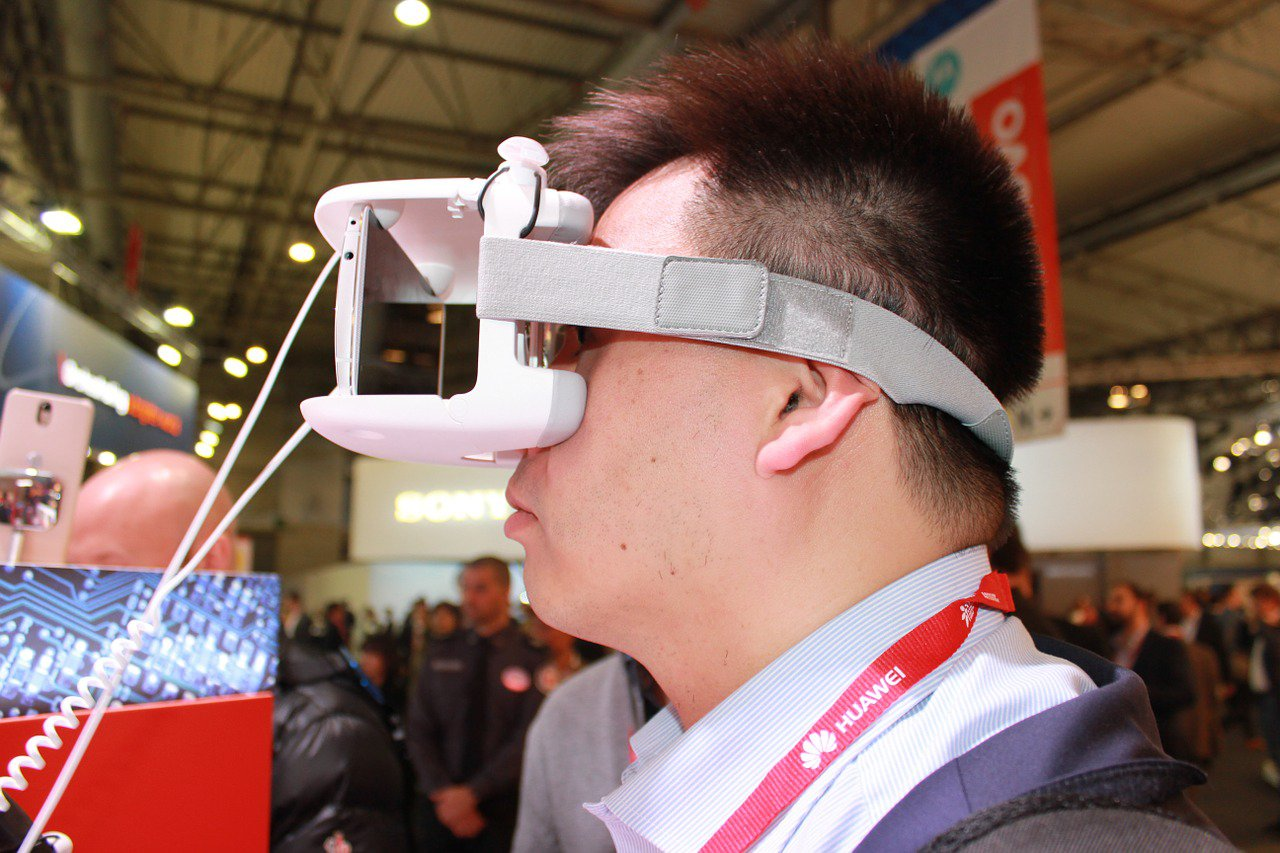 The Booming Virtual Technology: Top 9 Industries That Uses Virtual Reality